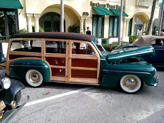 Cool Cruisers Naples Classic Cars on Fifth 2015